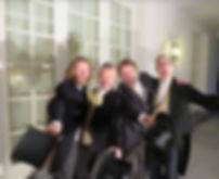 4 hommes.jpg