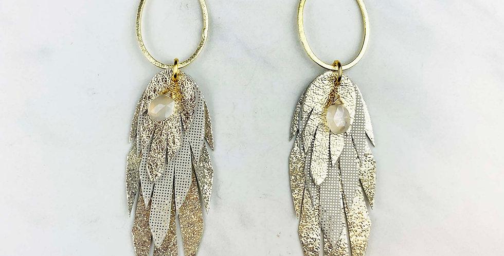 Leather Pluma Earrings - Ecru & Gold