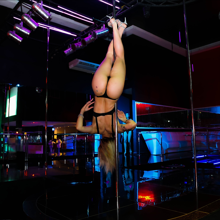 Performance da Capa da Sexy Giza Lira