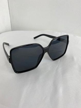 Black fashionable oversized square sunglasses