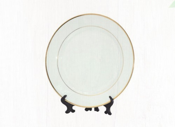 8 in Ceramic Plate with Gold Rim
