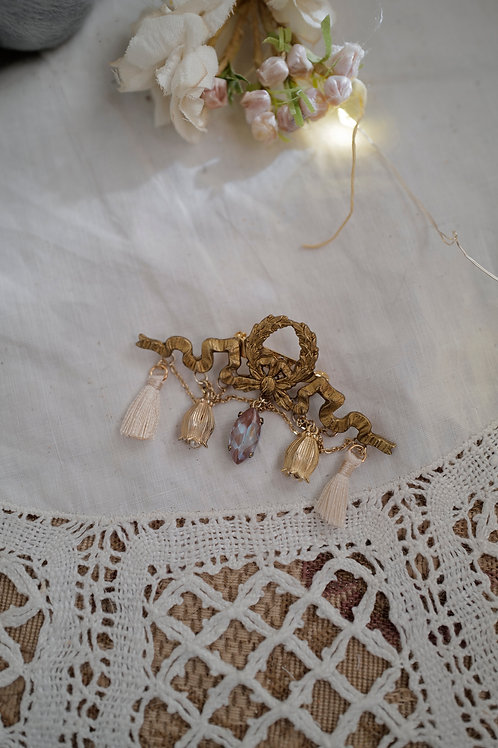 バラ柄の[Orietta]ブローチ