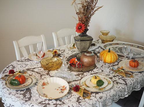 Thanksgiving table dressing for 8