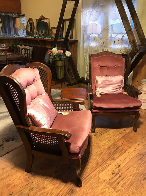 Pink Lounge Chairs & Side table