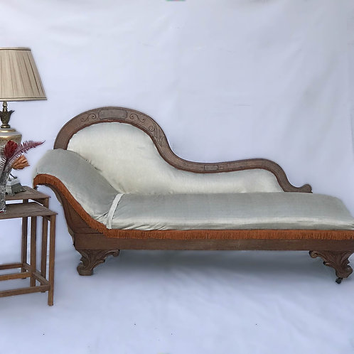 Whitman Chaise