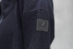 Mantel Bea Detail