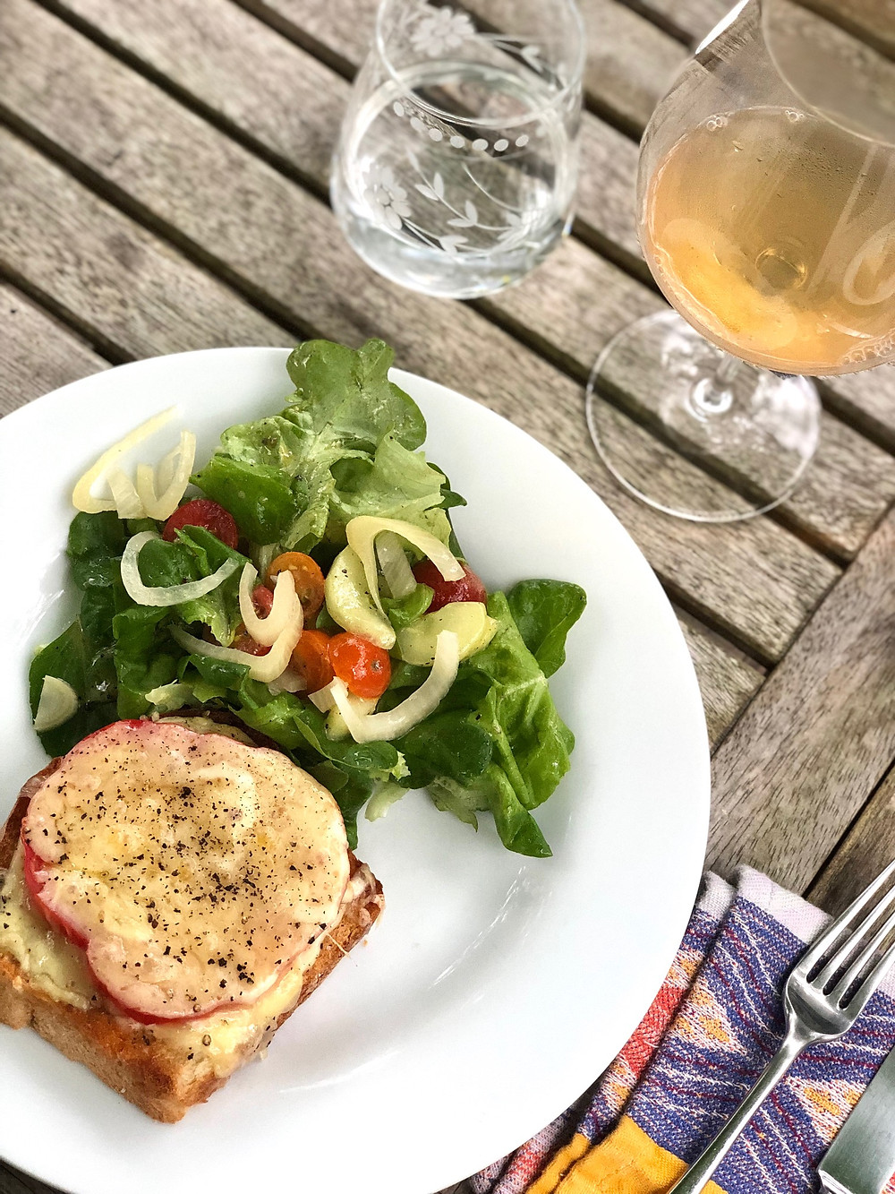 tomato toast, tomato sandwich, duke's mayonnaise, heirloom tomatoes, eat local, local recipe