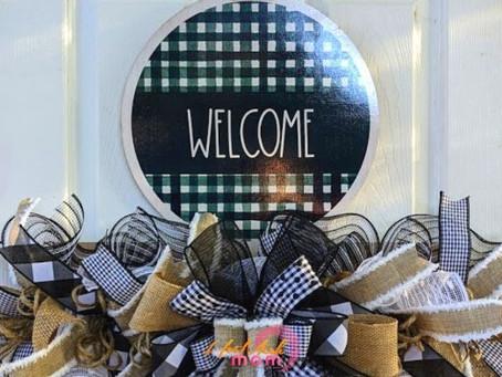 DIY Welcome Farmhouse Wreath Rail
