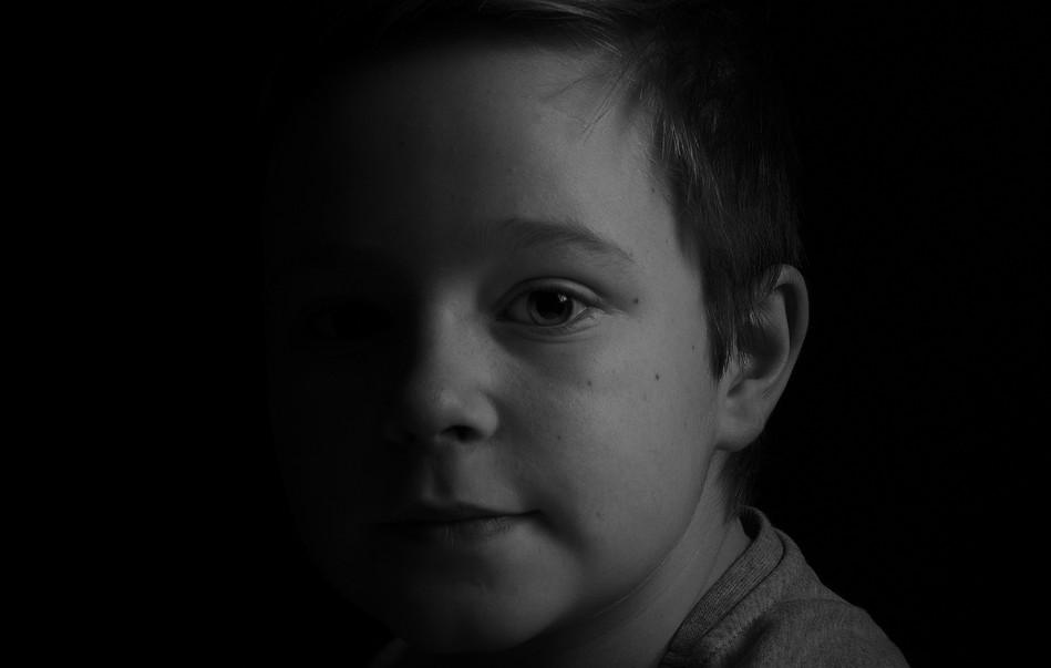 Elliot split light.jpg