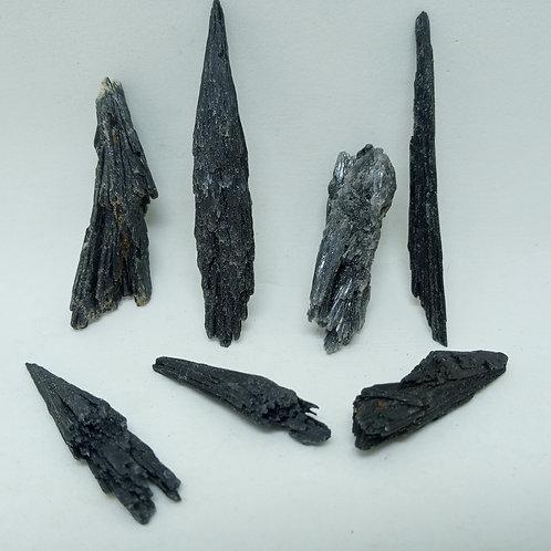 07 Pedras Cianita Vassoura de Bruxa 38g. (cód. PVB06)