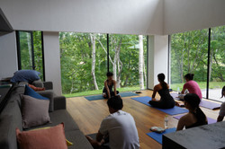 People practicing yoga in Stsu-in