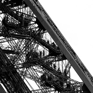 Criss crossing the Eiffel Tower
