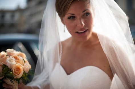 Sunny bride in Florence, Italy