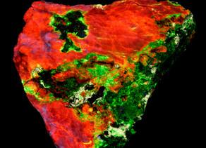 Calcite, Willemite, Hydrozincite, Powellite, Smithsonite, Miller Canyon, AZ