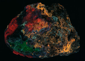 Calcite, Caliche, Opal, Aragonite - Mahoney mining area, NM