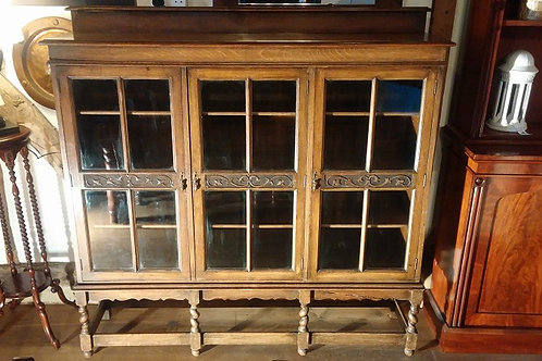Early 20th Century Oak Glazed Bookcase