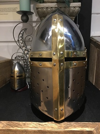 Crusader 'Sugarloaf' Helm wearable