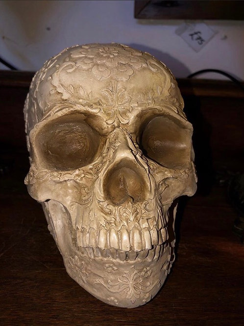 Carved skull    Ship opt 1