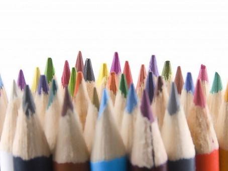 De volta ao lápis, borracha e papel