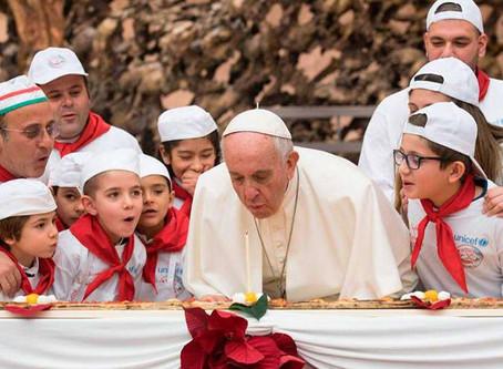 Feliz Cumpleaños 83 Papa Francisco!!