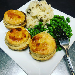 Kiwi style mini pies with mash and peas