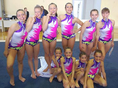Χρυσά τα κορίτσια της ομάδας του Μέγα Αλέξανδρου στους Πανελλήνιους Αγώνες Ακροβατικής 2012