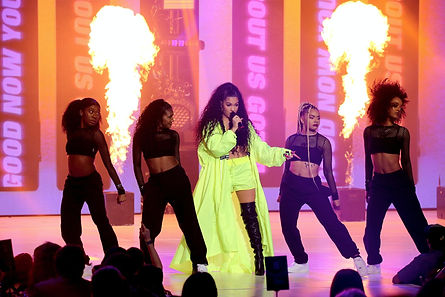 mabel-performs-at-the-global-awards-2019
