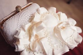 05-anelli-nuziali-sposa.jpg