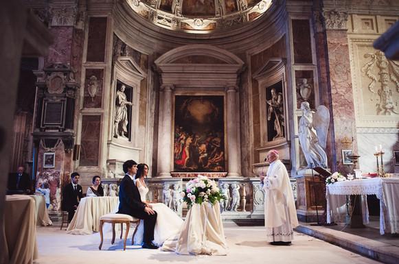 46-altare-sposi-affreschi.jpg