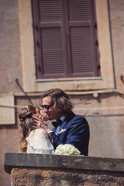 048-muretto-bacio-finestra-bouquet.JPG