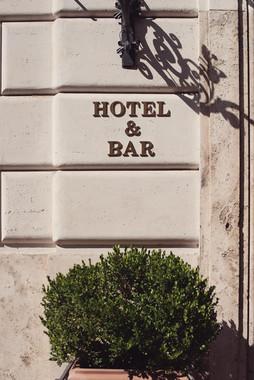 008-hotel-matrimonio-muro-vaso-cespuglio