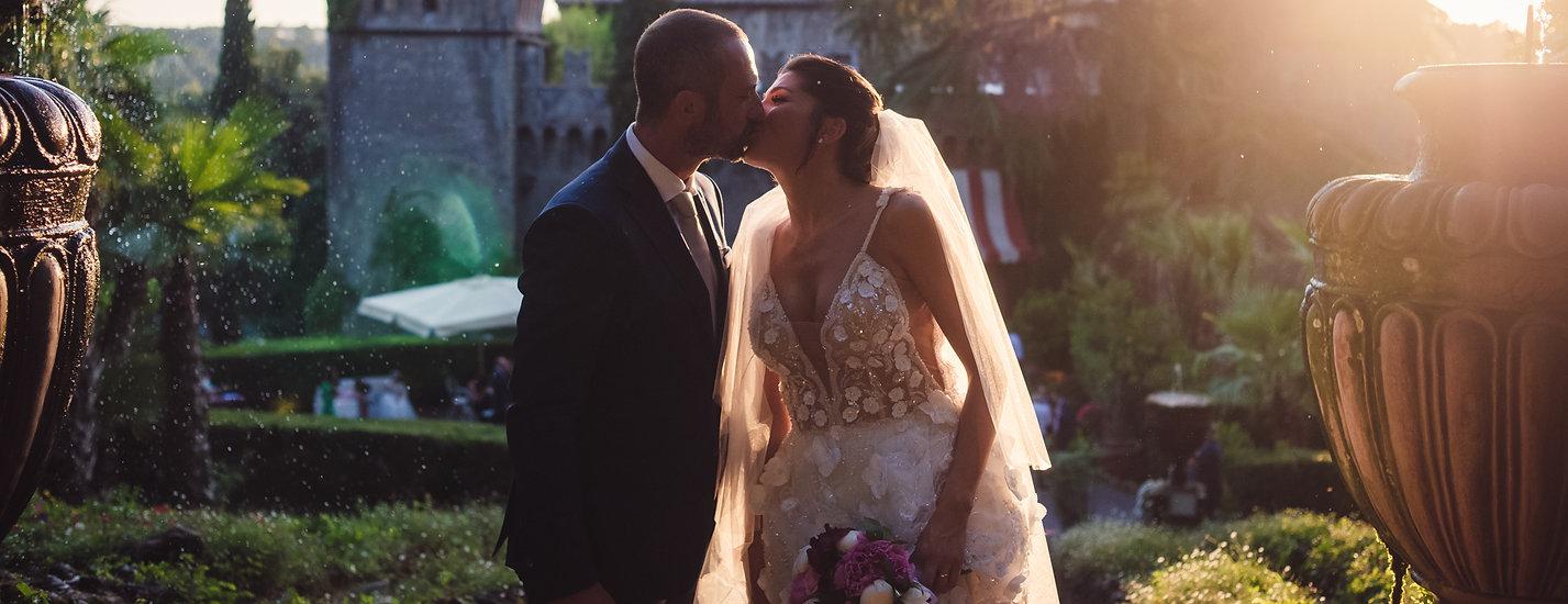 bacio sposi, decollete