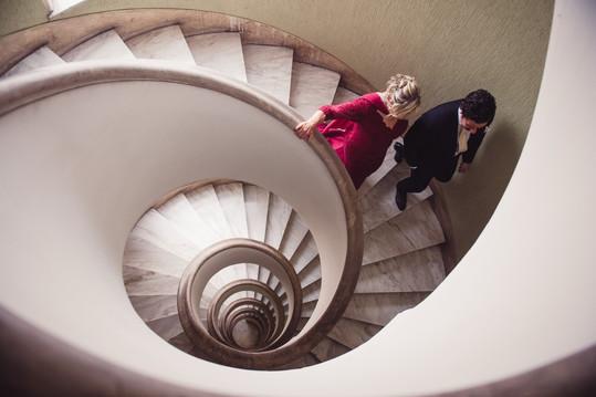 040-scale-sposa-madre-scendere-spirale.j
