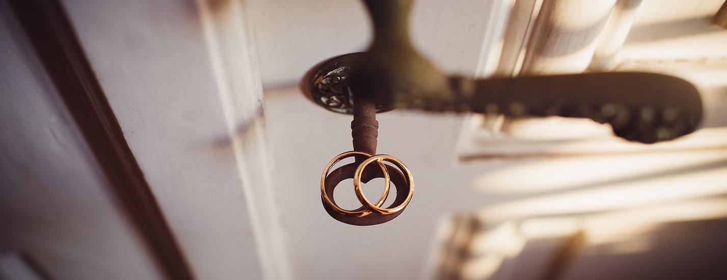 anelli-chiave-porta-fedi-nuzziali.jpg