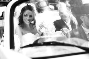 28-arrivo-sposa-macchina-chiesa.jpg