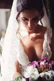 047-fiori-Décolleté-sposa-fiori-sguardo