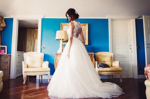 22-abito-sposa-specchio.jpg