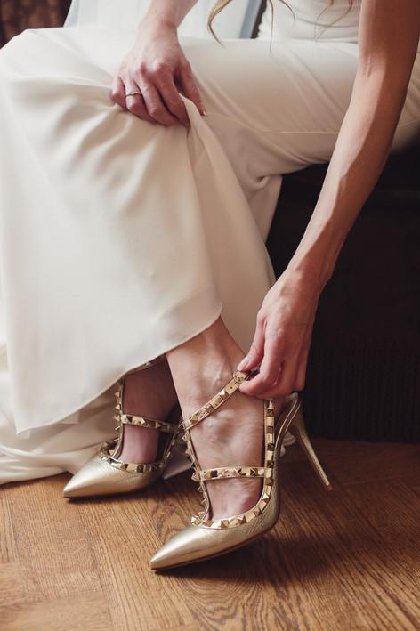 045-toccare-scarpe-sposa-valentino-parqu