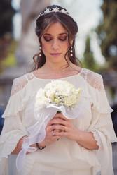 028-sposa-fiori-bianco-pensierosa-cerchi