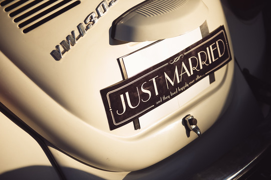 55-targa-macchina-sposi-maggiolone.jpg