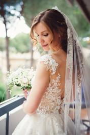 24-sposa-bouquette-vestito.jpg