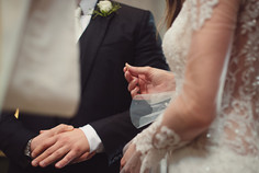 37-scambio-anelli-mano-sposa.jpg