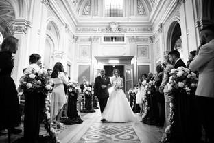 34-ingresso-navata-chiesa-sposa-papa.jpg