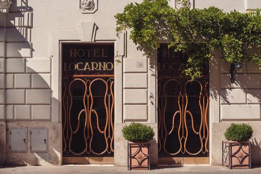 011-hotel-locarno-piante-muro-porta.jpg
