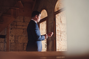 sposo-finestra-gemelli-reportage.jpg