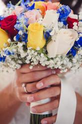 25-bouquet-giallo-blu-rosso.jpg
