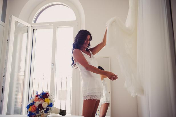 06-sposa-vestito-bouquet-vestaglia.jpg