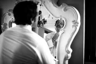 021-specchioblack&white-sposo-cravatta.j