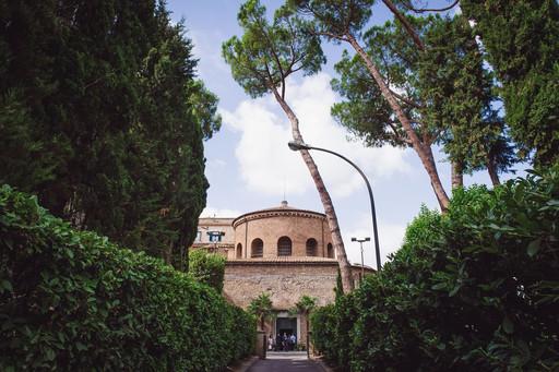 32-viale-chiesa-piante-alberi.jpg