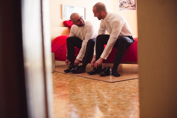 09-preparazione-sposi-uomini.jpg